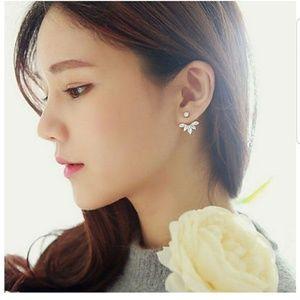 Jewelry - NWT DOUBLE BACK RHINESTONE EARRINGS GOLD